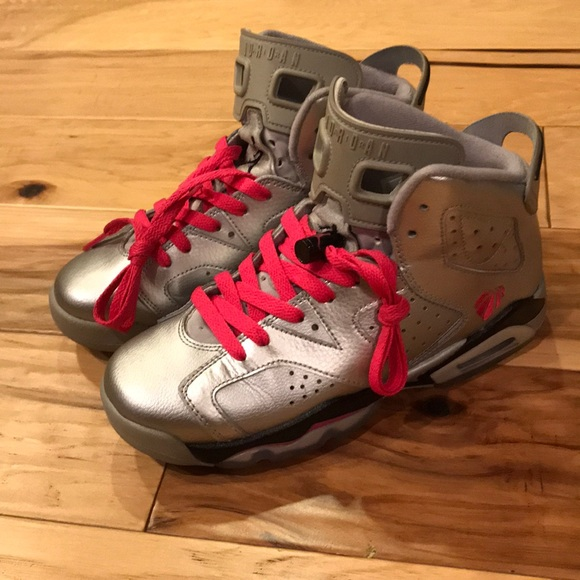 huge selection of 7ec4a 9c8a6 Nike Air Jordan Retro 6 Valentines Day